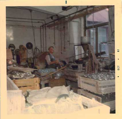1967: interior new cutting shop