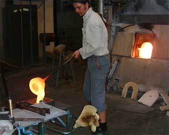 casting glass from the wood-pellet fired furnace